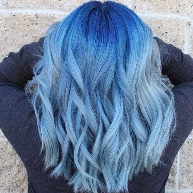 Benessere Femminile cd5552e262bdc05b45d7834182a7043e-ombre-hair-style-denim-hair Capelli blu: come si fanno?