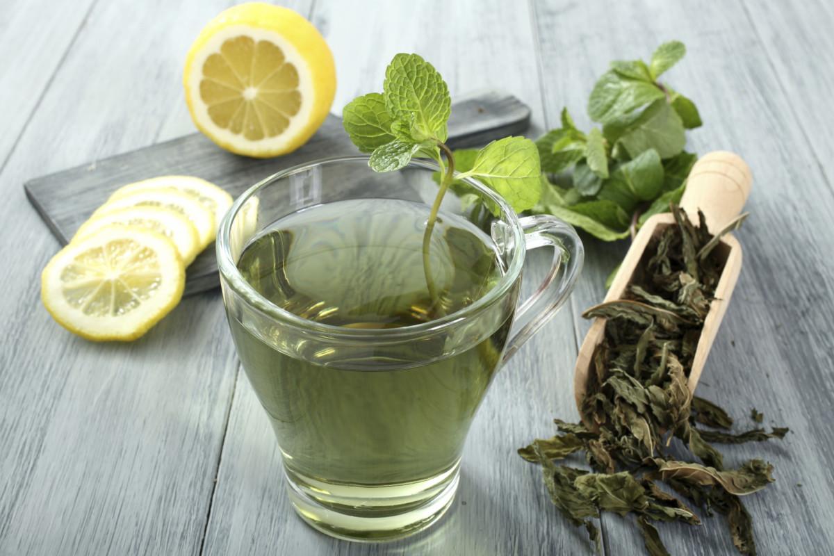 Benessere Femminile il-te-verde-protegge-il-cuore-e-aiuta-contro-il-diabete-e-lobesita-1 Estratto di Tè Verde: tutti i benefici di una foglia antica