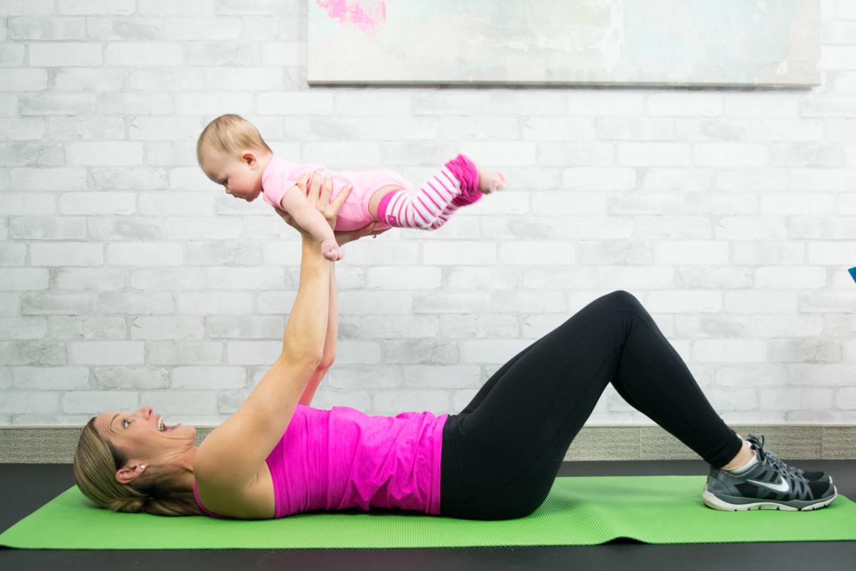 Benessere Femminile Tricep-Press-Up Tornare in forma dopo il parto si può, ecco i nostri esercizi