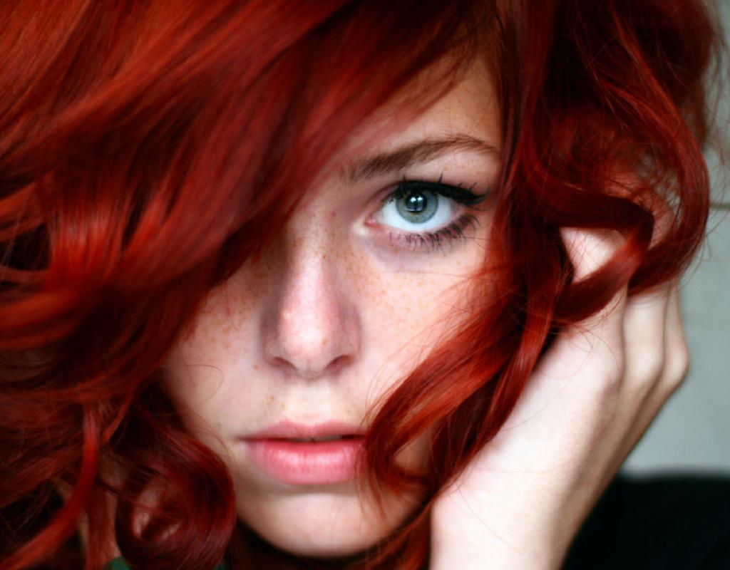 Benessere Femminile capelli-rosso-vivo-1024x800 Tingere i capelli? Ora il rosso fa tendenza, scegli la tinta naturale di Silium Organic