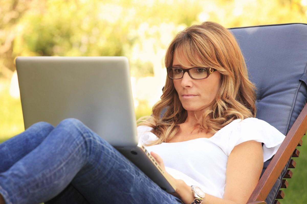 Benessere Femminile donna-menopausa-precoce Vampate di calore nella Menopausa: ecco alcuni rimedi