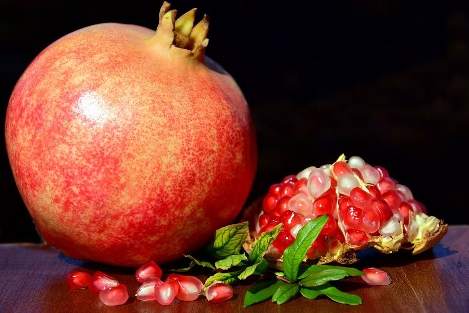 Benessere Femminile pomegranate-2851994_960_720 Melograno: tanti benefici per la salute